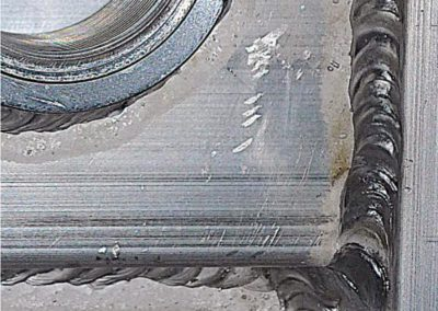 Reinigung von Schweißnähten an Aluminiumteilen