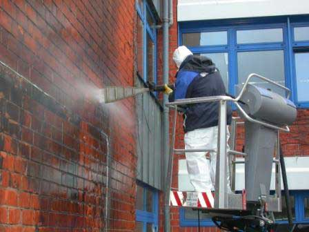 Brandschadensanierung an einer Klinkerfassade mit PowerMaster