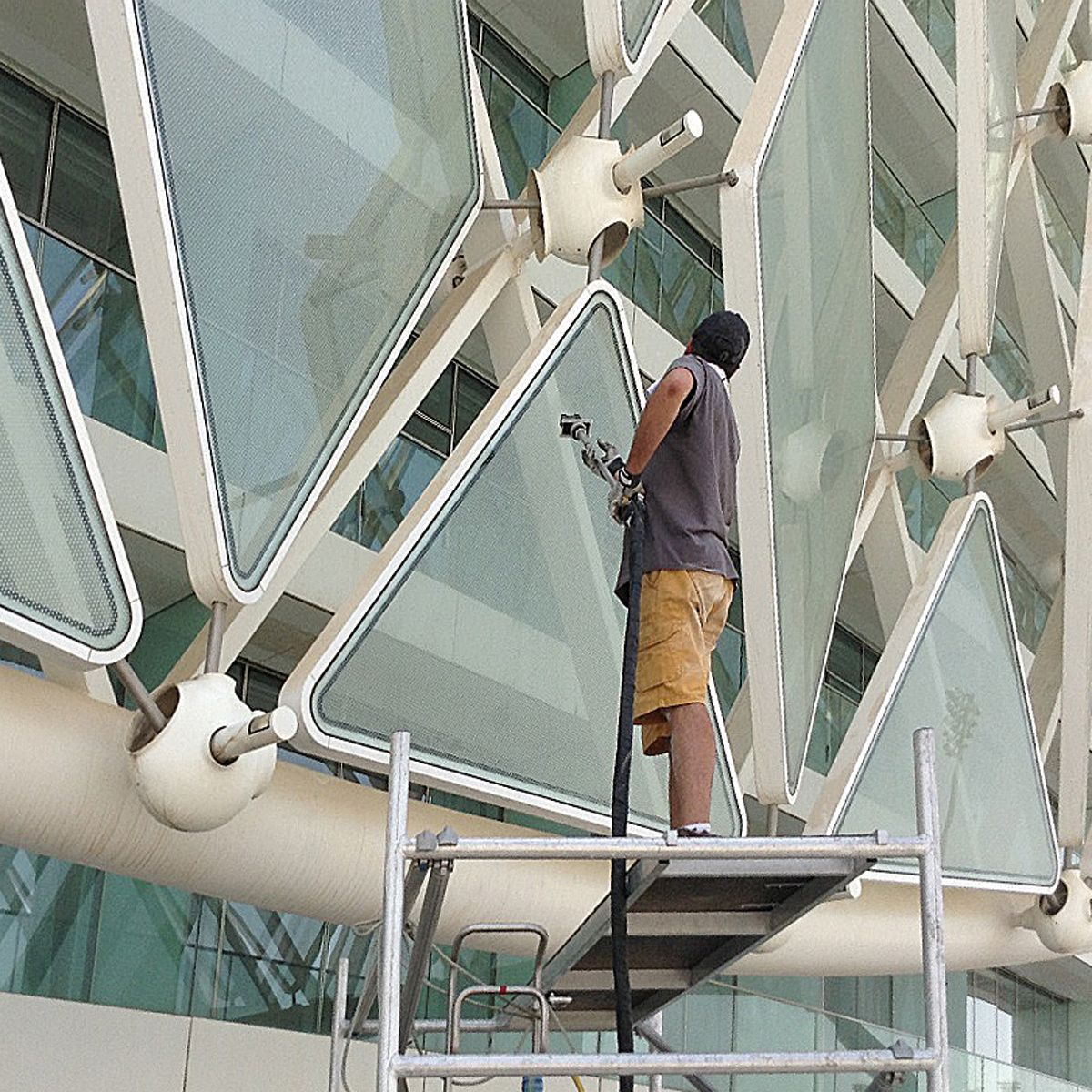 Cleaning a hotel façade in Abu Dhabi