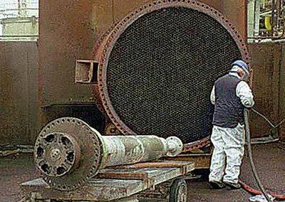 Ausschleifen von 4500 Innenrohren eines Rohrbündelwärmetauschers zur Inbetriebnahme nach längerer Stilllegung