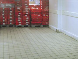 Floor in a refrigerated warehouse after cleaning
